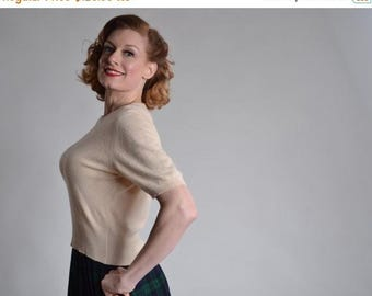 HALF PRICE SALE Vintage 1950s Cream Cashmere Sweater - Jaeger Cashmere - Winter Fashions Size 40