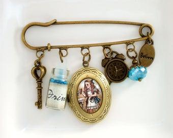 Alice in Wonderland Brooch, Alice Brooch, Wonderland Jewellery, Wonderland Accessory, Alice Cameo Brooch, Literary Gift, Book Lover Gift