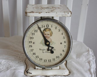 Chippy White Vintage Scale - baby - Shabby Shic
