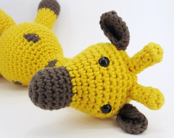 Amigurumi giraffe stuffed toy with rattle inside - organic cotton - yellow and brown soft baby toy