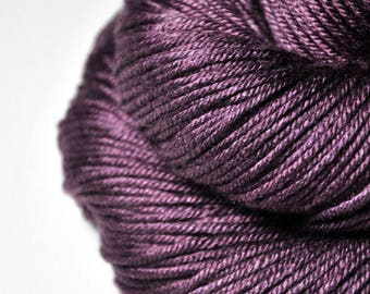 Rotten cherries - Silk/Merino DK Yarn superwash