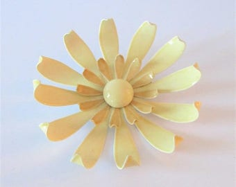 40% OFF SALE Vintage 1960's Creme Beige Enamel Flower Brooch / Large Retro Chunky Jewelry Floral Metal Daisy Pin