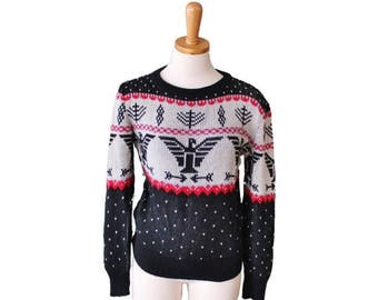 60% off sale // Vintage 70s Classic Retro Phoenix Sweater - Women M - Fashion Spirit