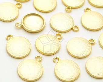 PD-1986-MG / 2 Pcs -  Flat and Textured Dainty Charms, Flat Round Circle Charm Pendant, Matte Gold Plated over Brass / 8.6mm