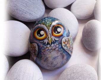 Owl  -  No.34     Snow Owl     Medium   Hand-painted stone , miniature, pebble art, fine, rock, snow,