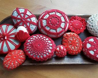 Crochet covered beach stones, crochet stones decor, wedding gift, table decor,room decoration