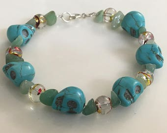Blue Howlite Skull Bracelet with Green Chip and Glass Beads
