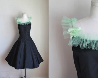 vintage 1950s prom dress - MINT JULIP black and mint cupcake dress / M