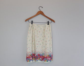 Vintage 80s Floral Short Skirt built in shorts By Quantum