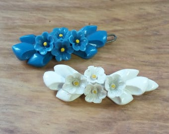 Vintage Barrette Pair Plastic Flowers Aqua White w Yellow Center 50's 60's Mid Century Fashion Hair Jewelry Rockabilly Bombshell