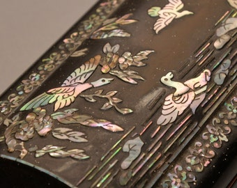 Mother of Pearl Abalone Inlaid Laquerware Swans and Pheasants Asian Desk Set inwell