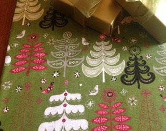Christmas Table Runner | 36 | Shaby Chic Christmas | Christmas Tree Table Runner | Home Decor | Centerpiece | Santa Table Runner