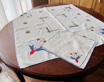 Art Deco Luncheon Tablecloth With Napkins Appliqued Linen