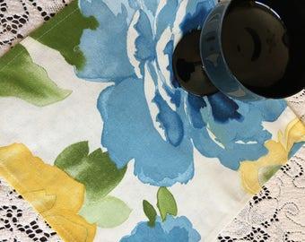Napkins #1627, Cloth Napkins, Cotton Napkins, Floral Napkins, Blue and Yellow Napkins, Set of 4 Napkins, Napkin Set, Kitchen Napkins, Napkin