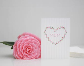 Mom card / Card for your Mom / Mother's Day Card / Mom in floral heart / heart in flowers / Mother's Birthday Card / Card for mom / Mom