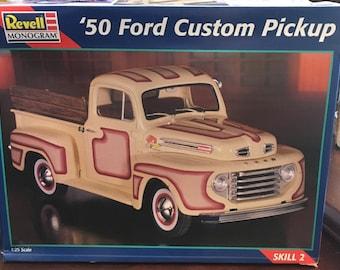 1/25 Scale: Revell-Monogram '50 Ford Custom Pickup, kit 85-2494  1997 New