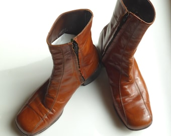 Vintage Brown Leather Beatle Boots, Men's Size 7.5 D Ankle Boots / Modern Size 9.5 D. Vintage Florsheim Ankle Boots with zipper.