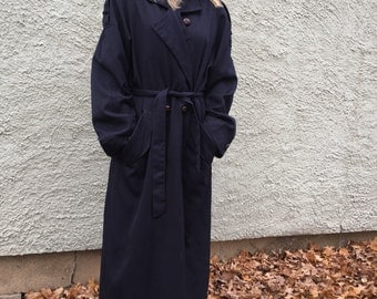 Womens vintage trench coat size 8 or large