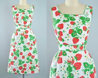 Vintage 60s 70s Novelty Print Dress / Red STRAWBERRY LADYBUG Floral Print Sundress Red Fruit Green Leaf Full Skirt Pinup Garden Party Small