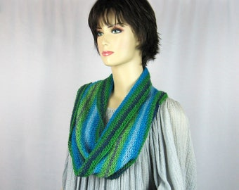 Hand Knit Cowl, Infinity Scarf, Blue Green, Turquoise, Intense Colors, Fine Merino Wool, Superwash Yarn, Lightweight, Infinity Cowl, Gift