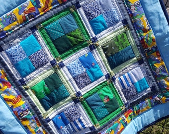 Baby Quilt, Toddler Quilt, Quilted Car Seat or Infant carrier Throw, Baby Play Quilt or Floor Quilt, blue car fabric