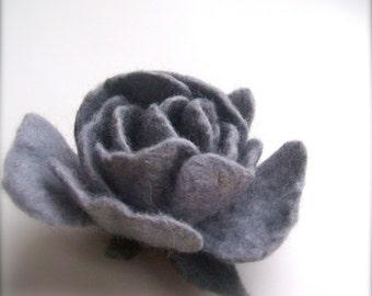 Felt brooch -  Felt brooch Shade of gray flower- Handmade - Wool brooch - Brooch Rose - Felted brooch Floer