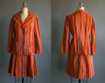 Vintage 1960's Two Piece Striped Suit with Blazer and Skirt / Retro Feminine / Spring Summer / Women's Large