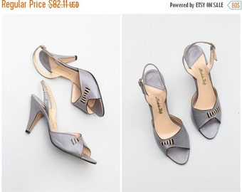 20% SALE NOS 1970s Italian slingback heels - open toe leather sandals / dove gray heels - vintage 70s ladies shoes / Made in Italy