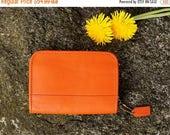 Spring SALE 90's Coach Orange Geometric Zippered Matching Wallet