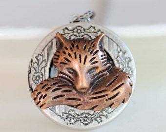 ON SALE Locket,Copper Red Fox Locket,Antique Locket,Silver Locket,Woodland,Fox Necklace