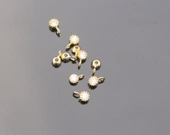 Jewelry Supplies, Gold Tiny Cubic zirconium crystal drop, Small Crystal Dangle Charm, Pendant, 4 pc, K514592