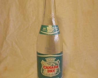 1958 Canada Dry World Famous Club Soda 12 Ounce ACL Painted Label Soda Bottle , Mid Century Modern Decor