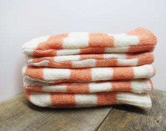 Women's recycled sweater mittens white and peach stripes