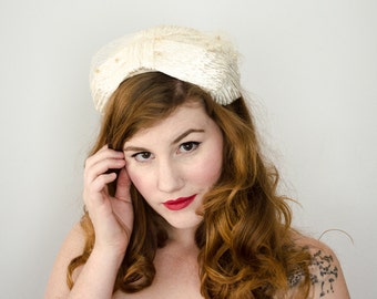 1950s vintage hat / white raffia headpiece / bridal hat