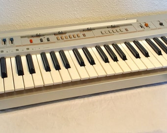 Vintage Gold and Silver Casio CT-310 Synthesizer Home Organ Synth with Adapter