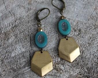 Boucles d'oreilles géométriques chevron // Geometric earrings, chevron earrings BO-808
