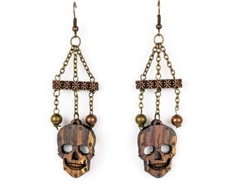 Wasteland Chain Dangle Skull Earrings