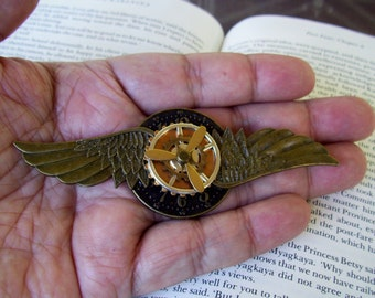 Steampunk Aviator Pin (P505-2) - Medal - Brass Wings and Clockface/Brass - Brass Propeller/Gears Moveable