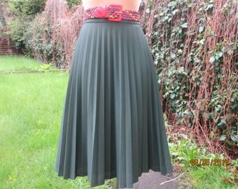 Pleated Skirt / Pleated Skirts / Skirt Vintage / Big Pleated Skirt / Pleated Skirt Size EUR46 / 48 / UK18 / 20 / Green / Emerald