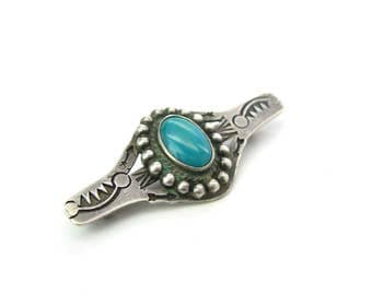 Navajo Turquoise Brooch. Hand Stamped Sterling Silver Bar Pin. Arrows, Mountains, Circle of Life. Fred Harvey Era. Vintage 1940s Jewelry