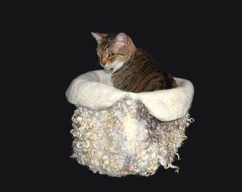 Cruelty Free,  Lincoln Sheep, Cat Bed, Cat Basket, Wool Cat Bed, Cat Cradle, Cat Cave, Felted Fleece, Pet Bed, Natural Pet Bed, Cat Nest,