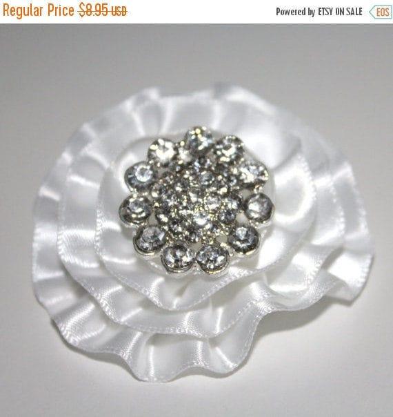 White Bridal Hair Clip/Diamond White Clip/Bridal Flower Hairclip/Rhinestone Hairclip/Rhinestone Clip/Flower Girl Hairclip/Men's Lapel Clip