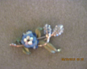 Vintage BEAUTIFUL Blue Rhinestone & Enamel Flower Pin...#2124....ESTATE ITEM...50's.....