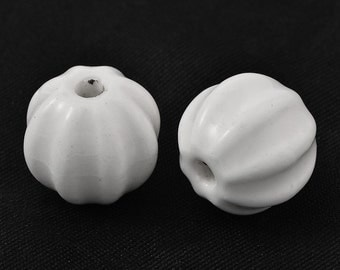 Glazed Bright White, Vintage Style 13mm corrugated round with 2mm hole -20