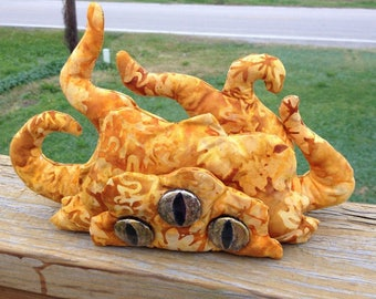 Honey gold shoggoth Lovecraft horror plush doll handmade original pattern, handpainted eyes blob tentacles monster