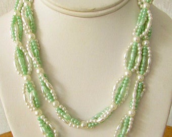 vintage 60s white and green pearl crocheted necklace mod scooter girl hand made