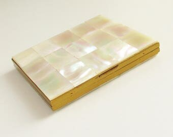 ReSeRvEd Vintage MOP Powder Compact Mother of Pearl 1940s 1950s 2 sided MOP