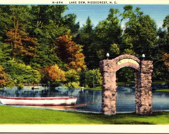 Ridgecrest, North Carolina, Lake Dew - Linen Postcard - Vintage Postcard - Unused (AA)