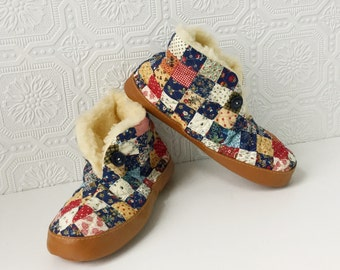 Quilted Faux Shearling Slippers, Calico Cotton Scuffs, Foldover Cuff, Folksy Quilt Pattern, Brown Sole, by Dearfoams, NOS, Size 8, Vintage