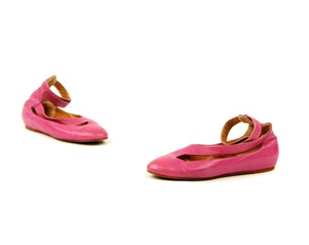 Vintage 1980's Norma Kamali Avant Garde Hot Pink Leather Cut Out Ankle Wrap Flats Shoes 9 RARE